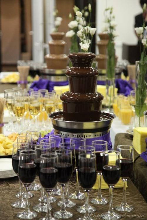 Заказать на свадьбу шоколадный фонтан
